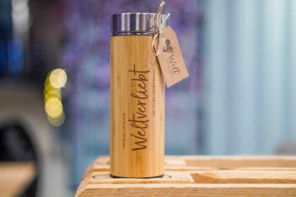Weltervliebt-Shop-Bambus-Thermosflasche-mit-Teesieb-8