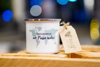Weltverliebt-Emaille-Tasse-Weltreise-Weltkarte