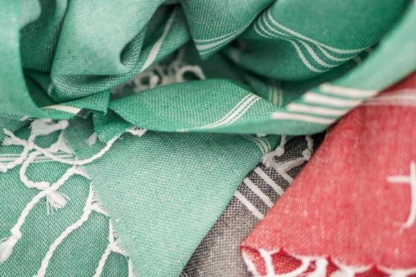 Strandtuch-alle-Farben-breit